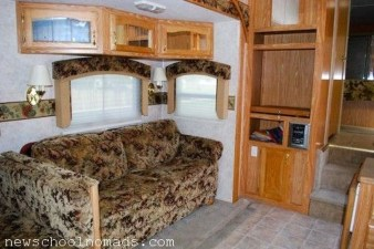 Amazing Rv Living Room Decorating Ideas For Comfortable Trip11