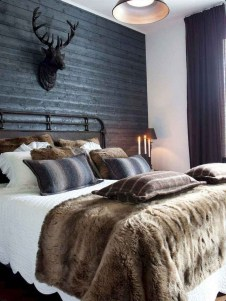 Amazing Winter Bedroom Decorating Ideas For Your Comfortable Sleep05