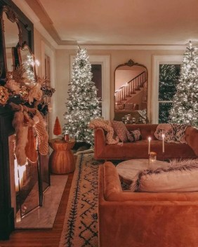 Attractive Winter Living Room Decoration Ideas For Warmth In The House15