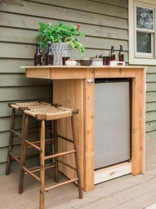Awesome Outdoor Mini Bar Design Ideas You Must Have For Small Party02