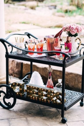 Awesome Outdoor Mini Bar Design Ideas You Must Have For Small Party16