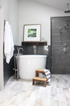 Beautiful Minimalist Bathroom Design Ideas For Your Home18