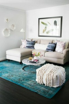 Beautiful Sofa Ideas For Your Small Living Room46
