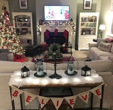 Best Christmas Living Room Decoration Ideas For Your Home32