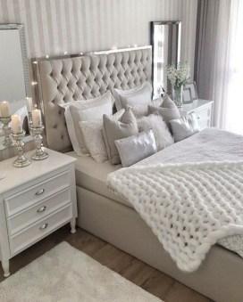 Cozy Bedroom Design Ideas To Make Your Sleep More Comfortable07