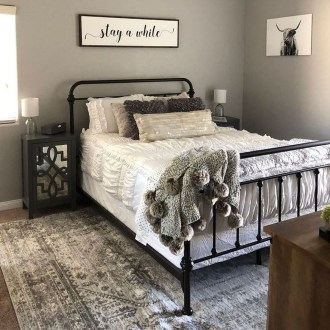Cozy Bedroom Design Ideas To Make Your Sleep More Comfortable16