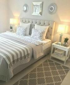 Cozy Bedroom Design Ideas To Make Your Sleep More Comfortable22
