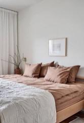Cozy Bedroom Design Ideas To Make Your Sleep More Comfortable39