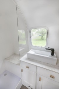 Elegant Airstream Decorating Ideas For Comfortable Holidays Trip22