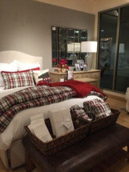 Impressive Christmas Bedding Ideas You Need To Copy06