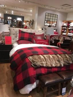 Impressive Christmas Bedding Ideas You Need To Copy17