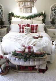 Impressive Christmas Bedding Ideas You Need To Copy31