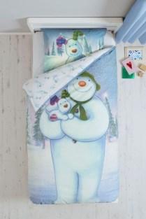 Impressive Christmas Bedding Ideas You Need To Copy39