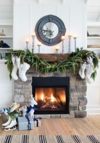 Marvelous Rustic Christmas Fireplace Mantel Decorating Ideas03