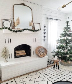Marvelous Rustic Christmas Fireplace Mantel Decorating Ideas04