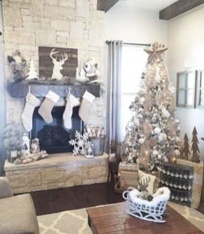 Marvelous Rustic Christmas Fireplace Mantel Decorating Ideas09