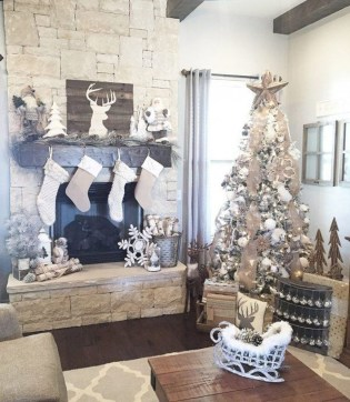 Marvelous Rustic Christmas Fireplace Mantel Decorating Ideas09