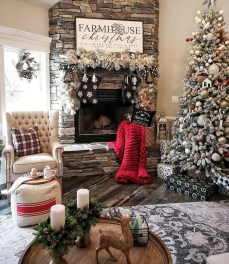 Marvelous Rustic Christmas Fireplace Mantel Decorating Ideas13