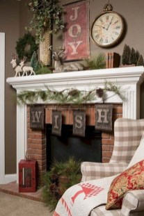 Marvelous Rustic Christmas Fireplace Mantel Decorating Ideas26