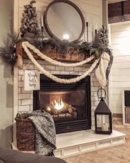 Marvelous Rustic Christmas Fireplace Mantel Decorating Ideas36