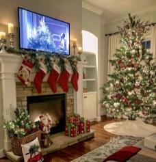 Marvelous Rustic Christmas Fireplace Mantel Decorating Ideas41