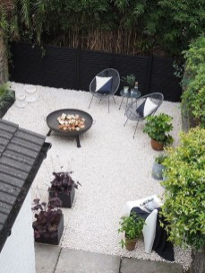 Minimalist Creative Garden Ideas To Enhance Your Small House Beautiful11