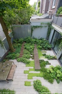 Minimalist Creative Garden Ideas To Enhance Your Small House Beautiful31