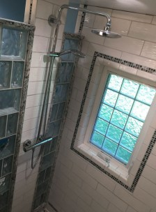 Amazing Small Glass Shower Design Ideas For Relaxing Space30