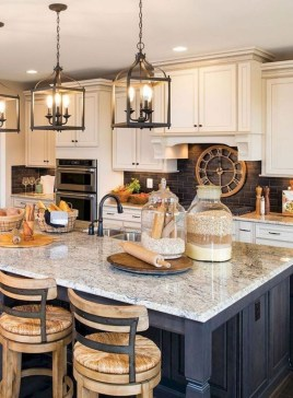 Awesome Farmhouse Kitchen Cabinet Design Ideas You Should Know That43
