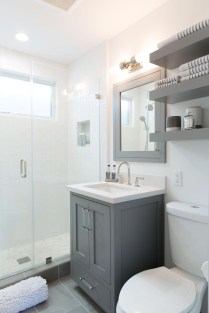 Best Gray And White Bathroom Ideas For03