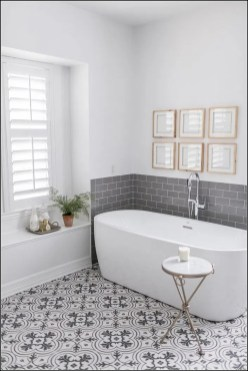 Best Gray And White Bathroom Ideas For27