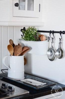 Lovely Kitchen Rack Design Ideas For Smart Mother18