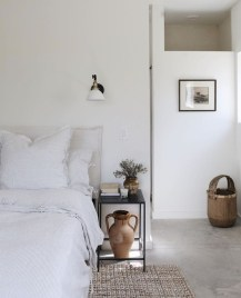 Make Your Bedroom Cozy With Neutral Bedroom Decorations02