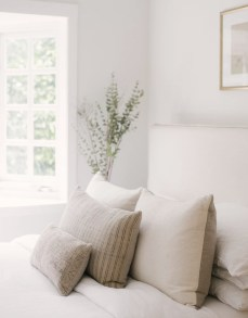 Make Your Bedroom Cozy With Neutral Bedroom Decorations12