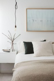 Make Your Bedroom Cozy With Neutral Bedroom Decorations21