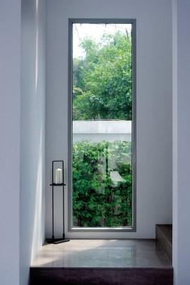 Minimalist Window Design Ideas For Your House15