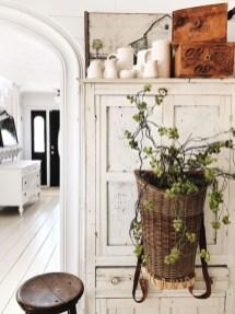 Wonderful Farmhouse Decor Ideas With Beautiful Greenery12