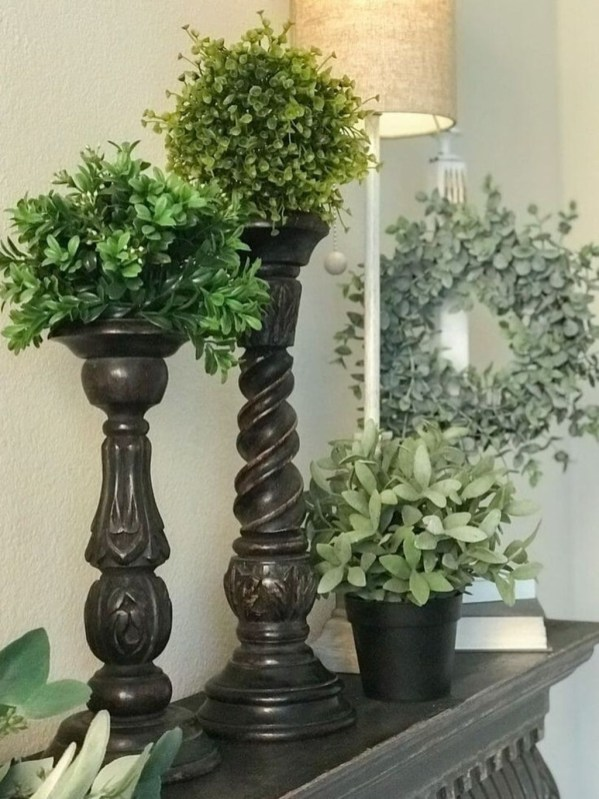 Wonderful Farmhouse Decor Ideas With Beautiful Greenery37