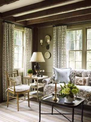 Attractive Lake House Living Room Decor Ideas27
