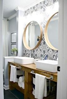 Captivating Small Master Bathroom Ideas03