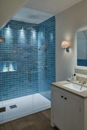 Captivating Small Master Bathroom Ideas27