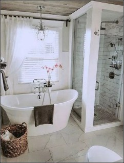 Captivating Small Master Bathroom Ideas30