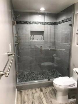 Captivating Small Master Bathroom Ideas33