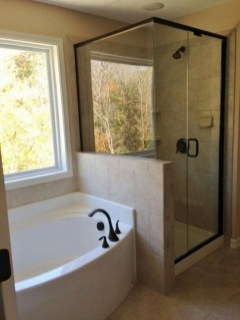 Captivating Small Master Bathroom Ideas41
