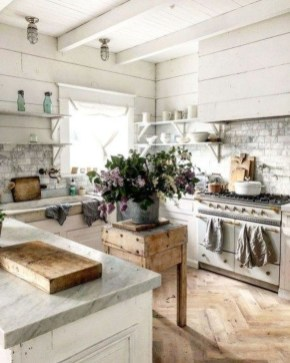 Cool French Country Kitchen Decorating Ideas36
