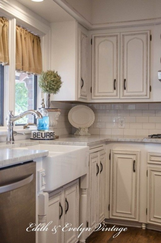 Cool French Country Kitchen Decorating Ideas46