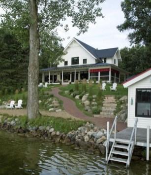 Creative Lake House Exterior Designs Ideas07
