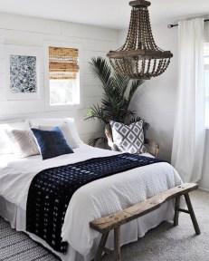 Impressive Coastal Bedroom Decorating Ideas04