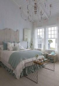 Impressive Coastal Bedroom Decorating Ideas30
