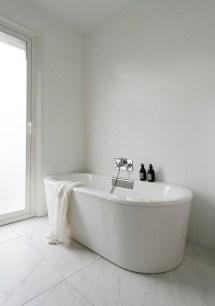 Minimalist Bathroom Bathtub Remodel Ideas01